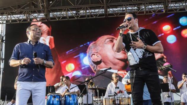 Gilberto Santa Rosa y Víctor Manuelle se lucieron en el Aniversario de la Salsa