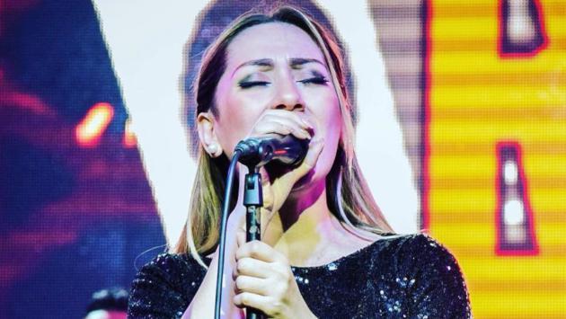 Hija de integrante de Son Tentación sorprende cantando en actuación de su colegio