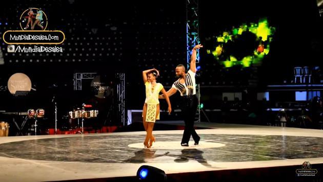 ¡Mira el baile de estos Campeones Mundiales de Salsa! (VIDEO)