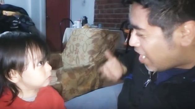 ¡Te sorprenderá la reacción de este niño cuando ve a su papá sin lentes! (VIDEO)