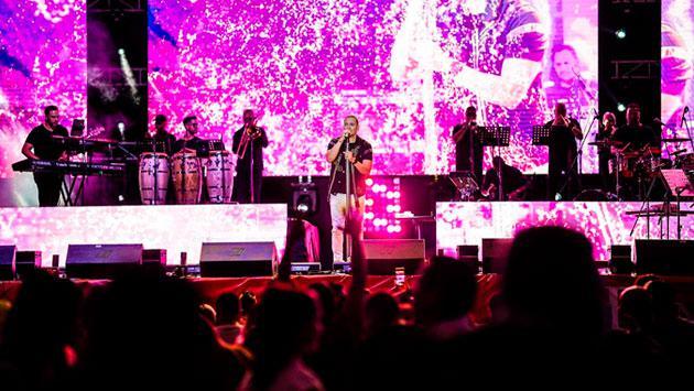 Víctor Manuelle comparte clip de su último concierto y calienta motores para show en Perú