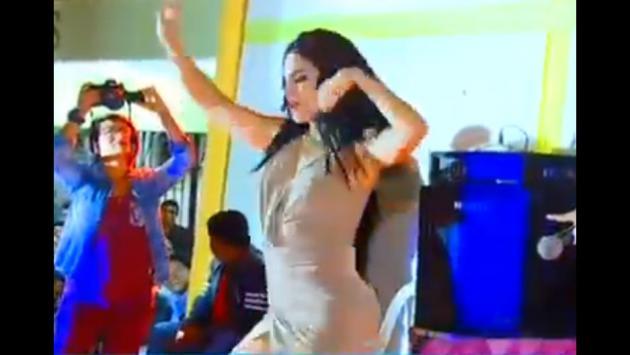 Así fue el duelo de baile entre Yahaira Plasencia y Stephanie Valenzuela (Fotos: Captura YouTube Amor Amor Amor)