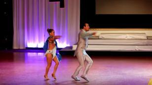 Así bailan los peruanos campeones mundiales de salsa
