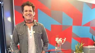 Carlos Vives logra triple disco de platino y oro en México con 'Robarte un beso'