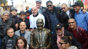 Eddie Palmieri estuvo en la inauguración de su monumento en el Callao (FOTOS)