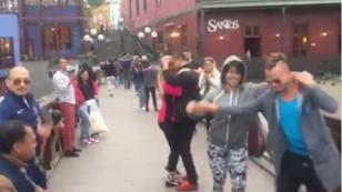 El Puente de los Suspiros vibró a ritmo de salsa (VIDEO)