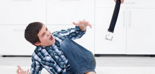 ¿Castigar a los hijos con azotes realmente les corrige?