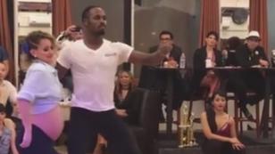 Esta mujer embarazada baila salsa y sorprende a cibernautas con piruetas (VIDEO)
