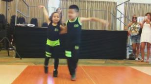 ¡Estos niños que bailan salsa te dejarán con la 'boca abierta'! (VIDEO)
