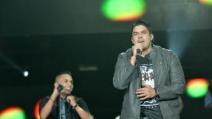 Jerry Rivera y Yandel presentaron 'Mira' por primera vez en vivo
