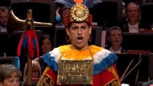 Juan Diego Flórez lució orgulloso traje típico inca durante concierto (VIDEO)
