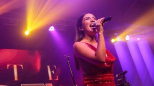 Kate Candela celebra las 2 millones de reproducciones de 'Ámame'