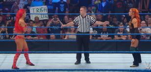 Luchadora Eva Marie de la WWE tuvo problemas con su traje