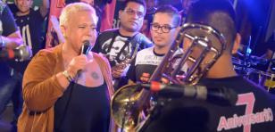 Lucía De La Cruz y Zaperoko cantaron