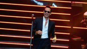 Marc Anthony bailó y cantó con un 'mini Marc' en concierto