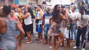 ¡Mira a esta cubana bailando salsa que contagia! (VIDEO)