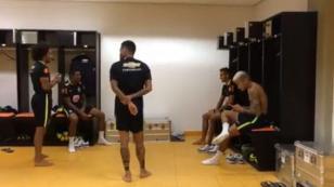 Neymar Jr. sorprendió con este baile en los camerinos