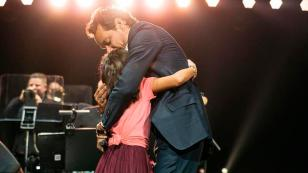 Niña conquista a Marc Anthony durante concierto [VIDEO]