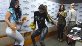 Las chicas de Salsa Bella bailaron el 'Caballito de Palo'