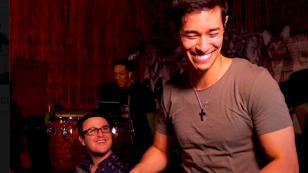 Tony Succar se goza en EE.UU. con este sabroso ritmo (VIDEO)