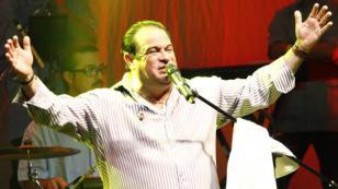 """Tony Vega sobre parálisis facial: """"seguiré cantando aunque sea  con un chorrito de  voz"""""""