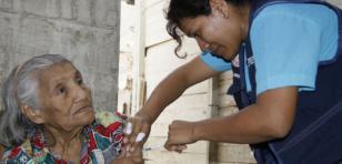 Centros de salud ofrecen vacunas contra la influenza
