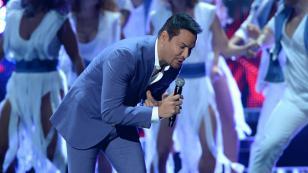 Víctor Manuelle homenajeó a Chegui Ramos