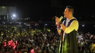 ¡Víctor Manuelle, Jerry Rivera, Zaperoko y César Vega llenaron de salsa el verano con este superconcierto en Lima ! (FOTOS Y VIDEOS)