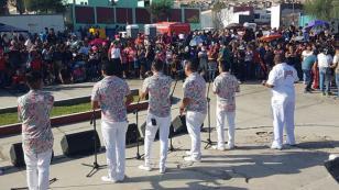 Zaperoko rindió homenaje a las mamás con concierto gratutito en Ventanilla